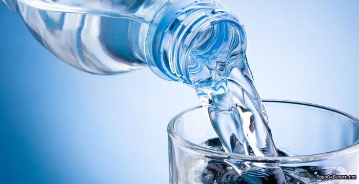bebidas-que-nao-podem-faltar-no-ano-novo-agua