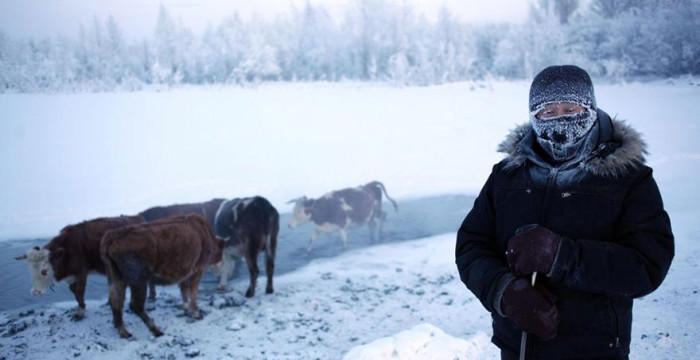 papodebuteco-coldest-village-oymyakon-russia-amos-chaple-08