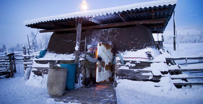 papodebuteco-coldest-village-oymyakon-russia-amos-chaple-11
